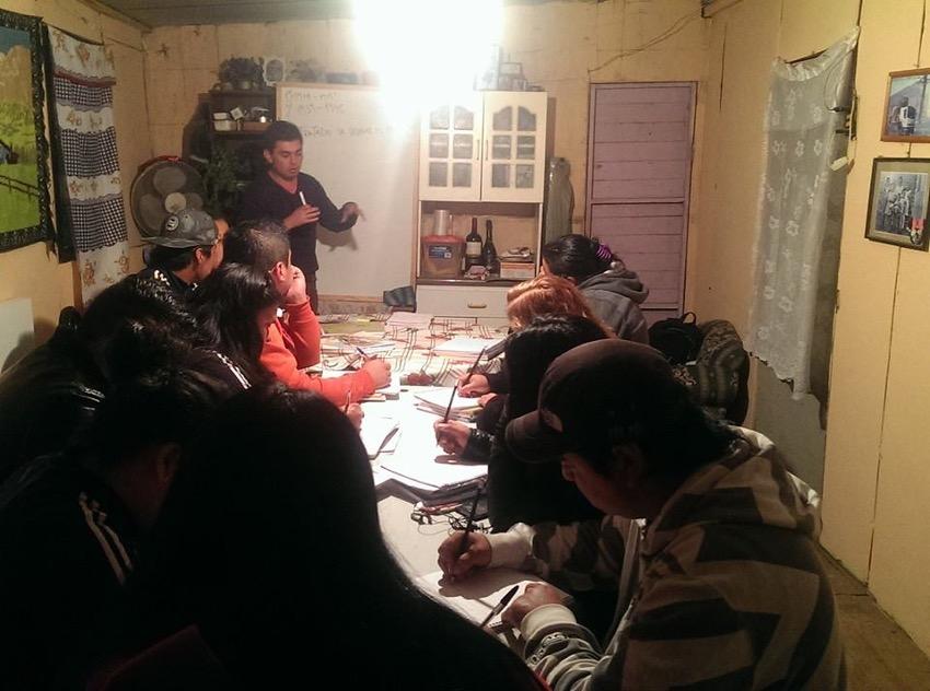 Vecinos de Villa Génesis se capacitan en nivelación de estudios de enseñanza básica y cuarto medio laboral