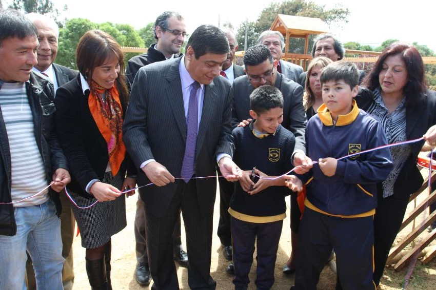 Fundación Siglo XXI inaugura anhelada área verde para los vecinos de Leyda