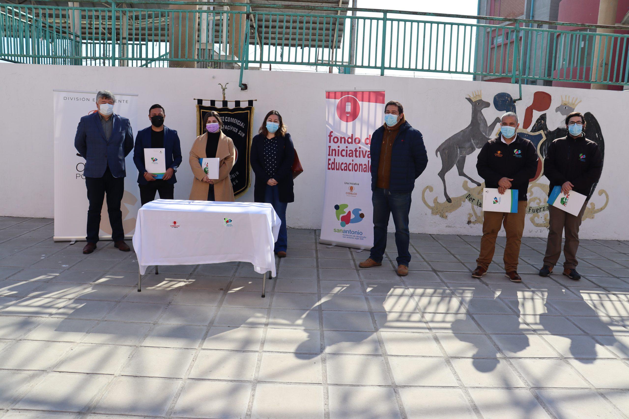 Fundación San Antonio Siglo XXI y Codelco El Teniente entregaron recursos de su Fondo de Iniciativas Educacionales